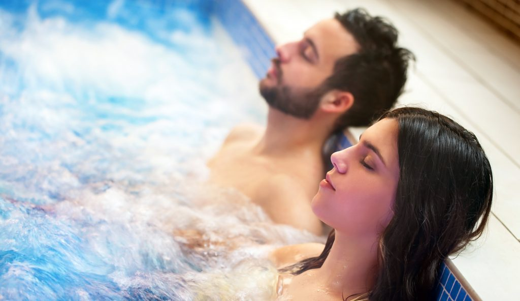 Jacuzzi Tubs – A Must-have Accessory for The Best Result of Hydrotherapy