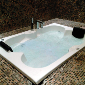 Massage Bathtub (V-202)